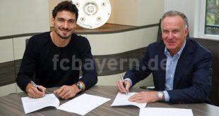 Mats Hummels unterschreibt beim FC Bayern