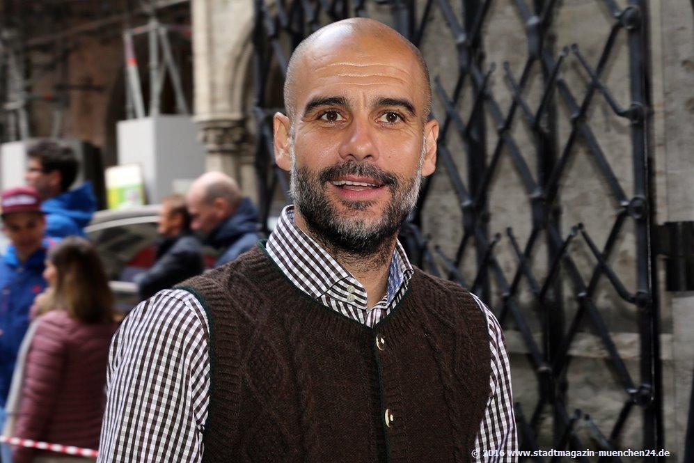 FC Bayern Meisterfeier Pep Guardiola