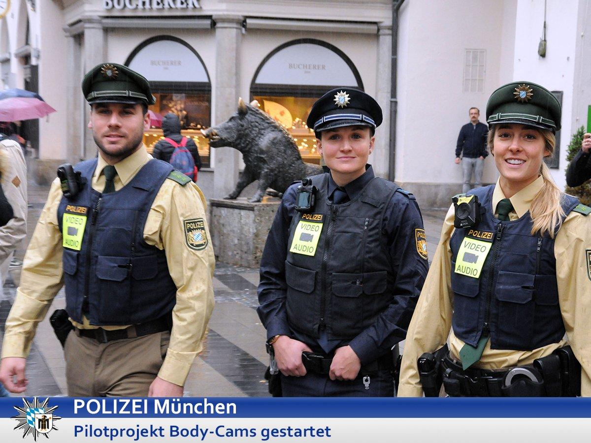 polizisten mit bodycam pilotprojekt in bayern in m nchen augsburg und rosenheim gestartet. Black Bedroom Furniture Sets. Home Design Ideas