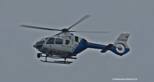 Polizeihubschrauber blau