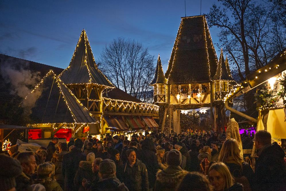 Schongau Weihnachtsmarkt.Märchenhafter Weihnachtsmarkt In Schloss Kaltenberg An Allen Vier