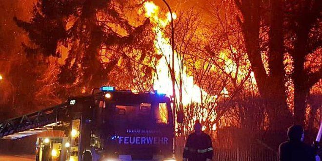 Brand denkmalgeschütztes Bauernhaus neben Hotel Limmerhof in Taufkirchen Copyright: © Freiwillige Feuerwehr Taufkirchen www.fftaufkirchen.de
